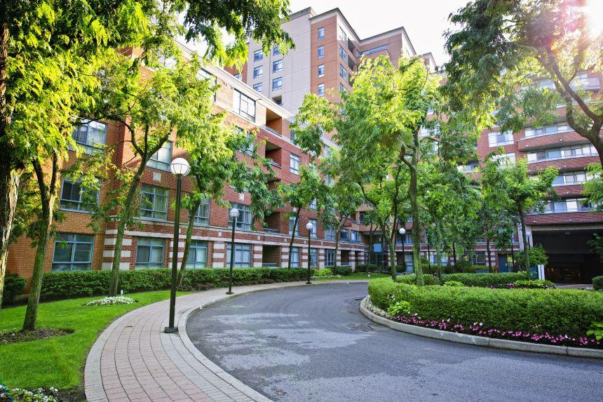 Exterior of multfamily property